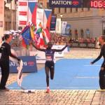 Mary Keitany triumphiert beim Halbmarathon in Olmütz 2015. © SIP / René van Zee