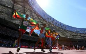 Ehrenrunde für die Medaillengewinner im WM-Marathon. © Getty Images for IAAF