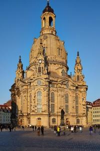 Dir Frauenkirche ist ein eindrückliches Mahnmal der Zerstörung und des Wiederaufbaus.