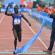 Im vergangenen Jahr erreichte Bernhard Kipyego glücklich, aber erschöpft die Ziellinie im Olympiastadion. © Amsterdam Marathon