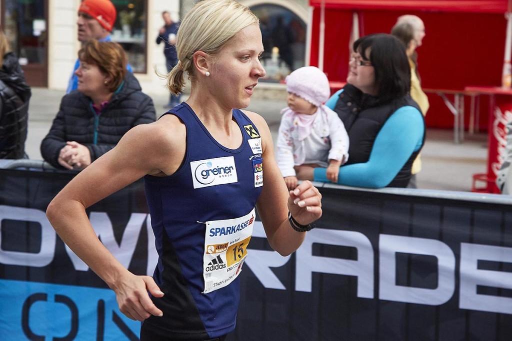 Beim Jedermannlauf 2014 musste sich Anita Baierl im Kampf um den Staatsmeistertitel noch Jennifer Wenth geschlagen geben. © SIP / Johannes Langer