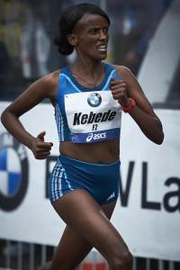 Aberu Kebede lief vor zwei Jahren beim Frankfurt Marathon zum Sieg – ihr letzter Triumph im Marathon. © SIP / Johannes Langer
