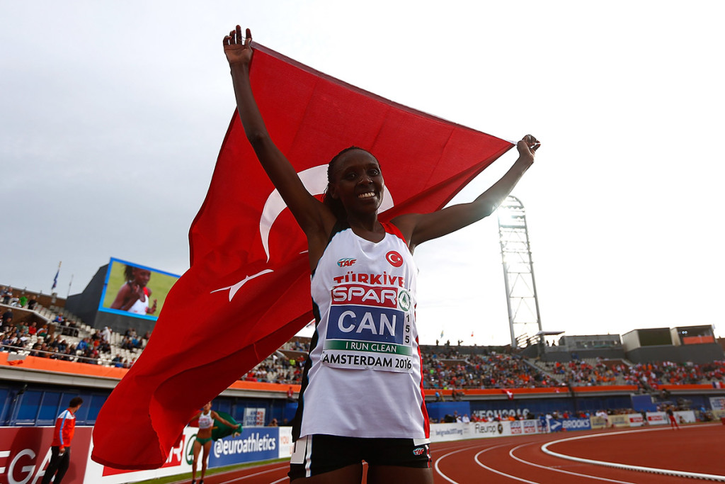 Yasemin Can gewann in Amsterdam zwei EM-Goldmedaillen. © Getty Images / Dean Mouhtaropoulos