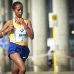 Birhane Dibaba (hier beim Berlin Marathon 2016) ist die einzige Läuferin im Feld, die den Tokio Marathon bereits gewinnen konnte. © SIP / Johannes Langer