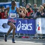 Shura Kitata zeigte sich beim Frankfurt Marathon in bestechender Form. © SIP / Johannes Langer
