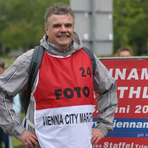 Den Vienna City Marathon 2004 beobachtete ich aus dem Media-Car. © SIP / René van Zee