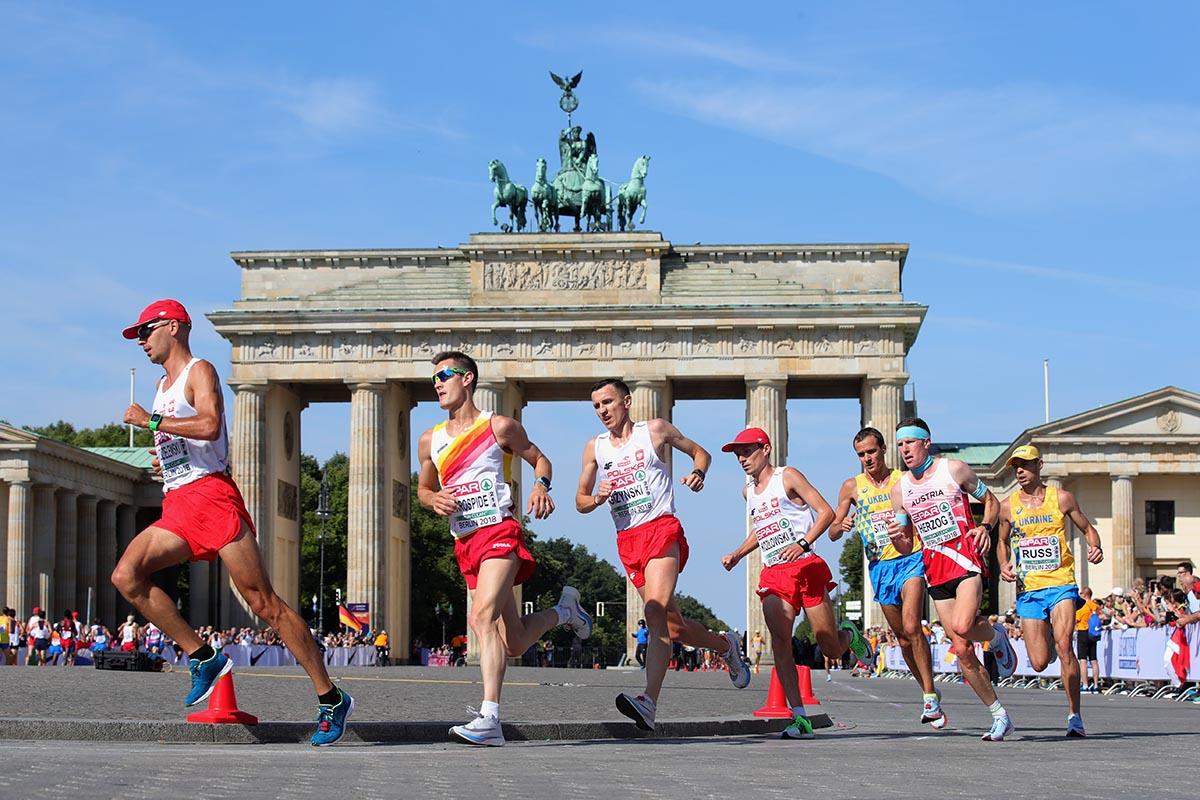 Straßenpreis neuer Stil von 2019 Großhandelsverkauf EM 2018 Marathon Berlin - RunAustria
